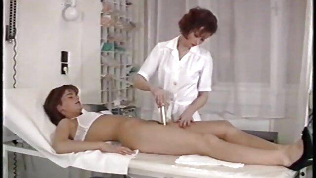 نوجوان آماتور با جوراب ساق بلند عکس های سکسی خفن MILF british لیس می زند