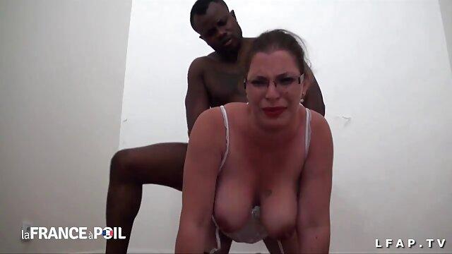 ابیگل مک بیش از یک بار عکس خفن سکسی در یک جرعه بزرگ قورت می دهد! 14851