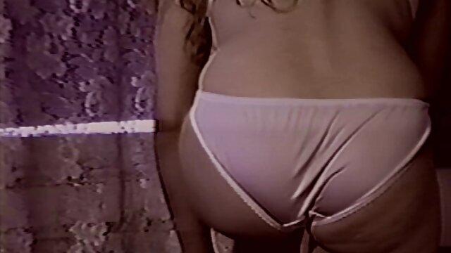 آسا آکیرا پورن استار عکس کوس کون خفن آسیایی در رختخواب صمیمی می شود