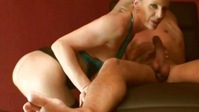 جولیان دانلود تصاویر سکسی خفن مور کلوئی
