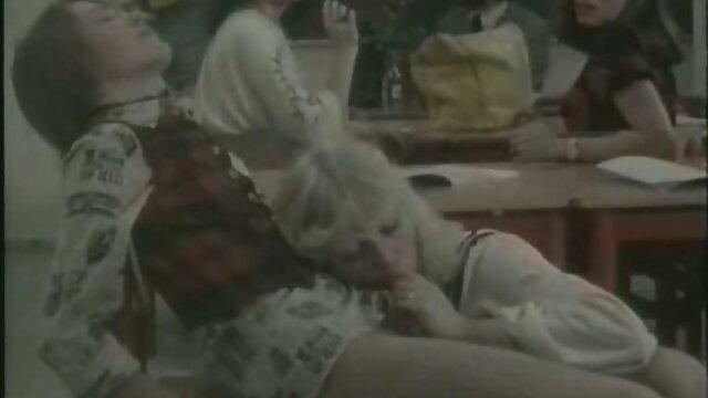 مقعد خفن ترین عکس سکسی نژادی آنیسا و لیندسی