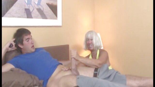 کوتور مافونه در اولین بازی خود در تصاویر خفن سکسی سالن بدنسازی ماساژ می دهد و سپس اذیت می کند