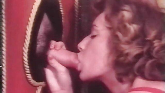 نوجوانان پیرمرد را دانلود عکس های سکسی خفن در خانه از پا می کنند