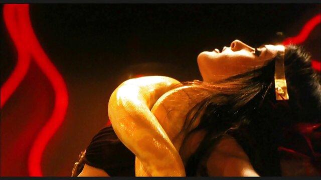 آمی کیتازاوا خروس را می عکس کیر خفن مکد