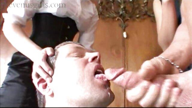 آماتور فیلم وعکس سکسی خفن انگلیس بر روی یک دیک بزرگ ناله می کند