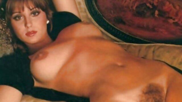 سوفیا سوئیت نوارهای دیک را در عکس های سکسی خارجی خفن ساحل می مکد و می مکد